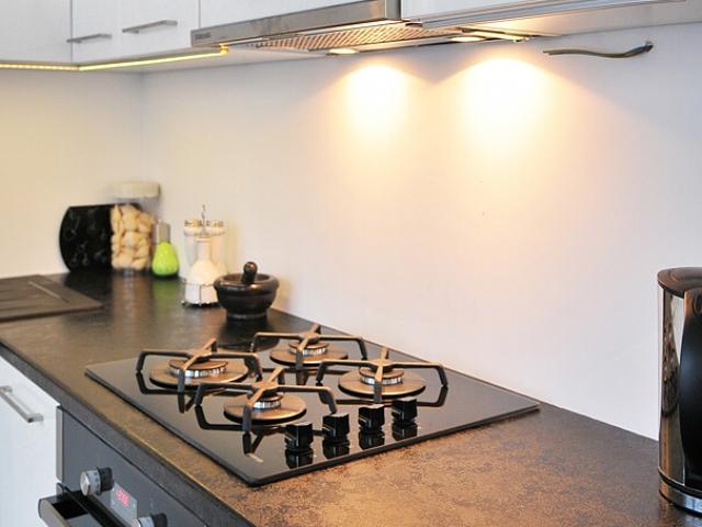 Projekt kuchni na wymiar z frontami lakierowanymi
